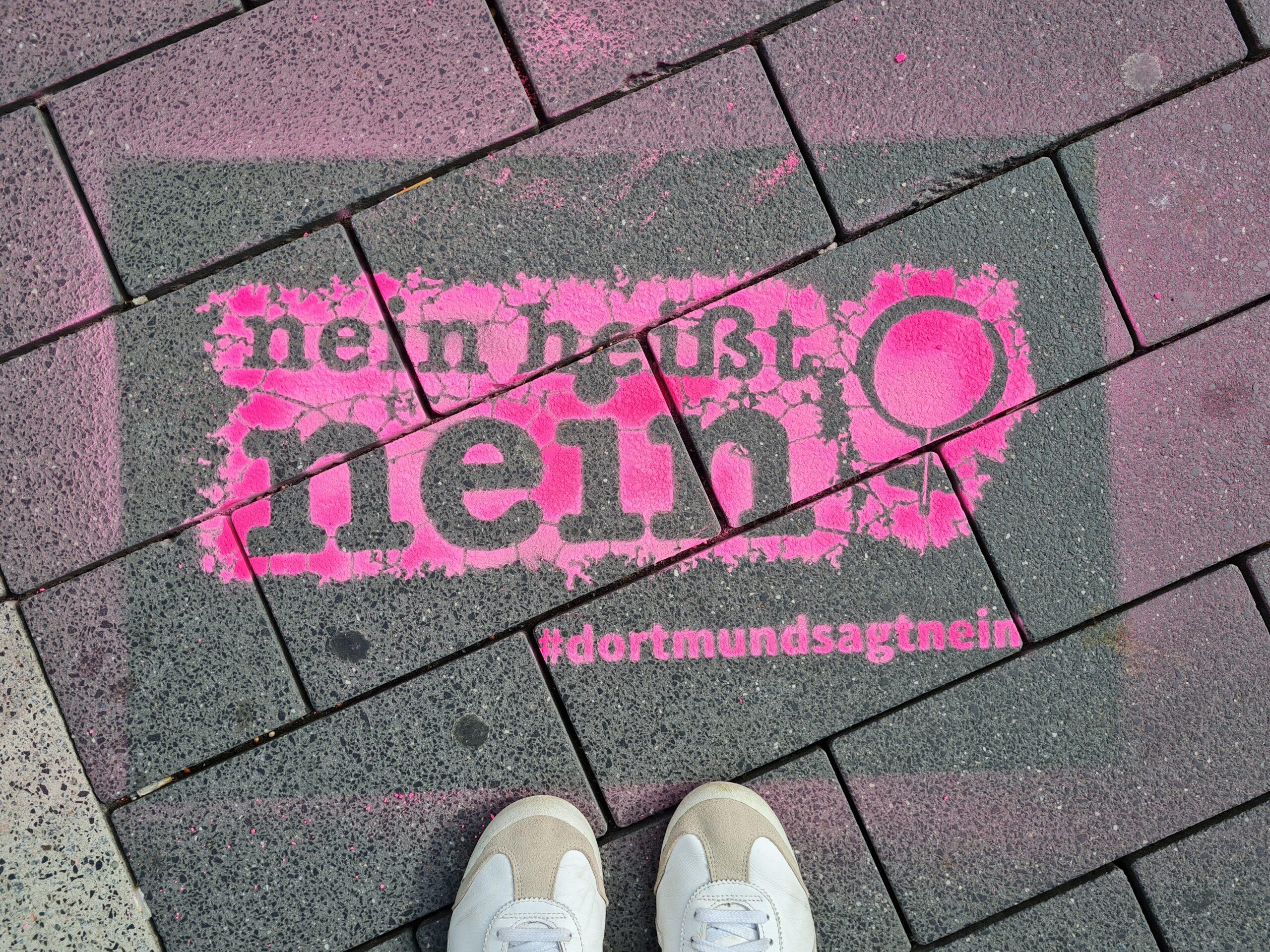 """alt=""""Das Logo der Kampagne auf dem Westenhellweg"""">"""